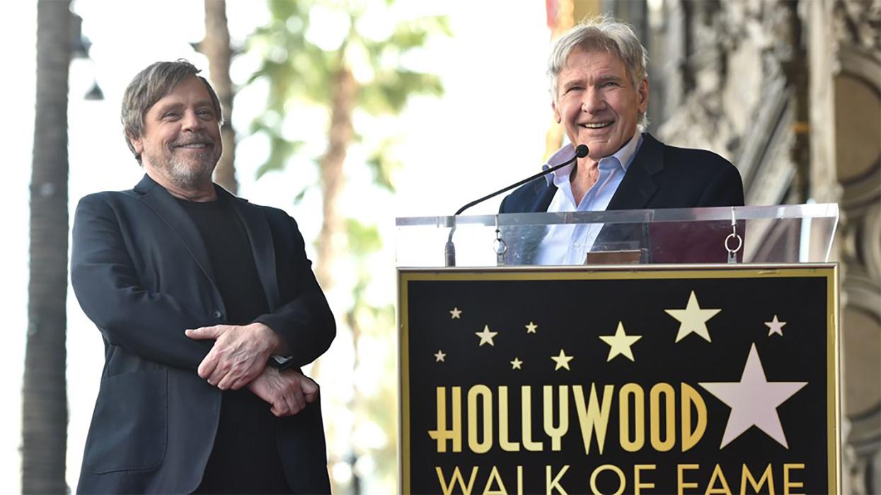 Carrie Fisher ricordata da Mark Hamill e Harrison Ford, qui sorridenti alla Hollywood Walk of Fame
