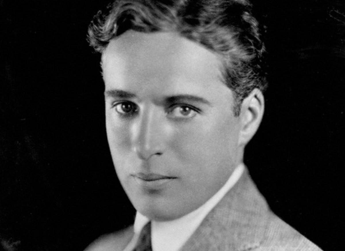 Charlie Chaplin nel suo ritratto giovanile più famoso